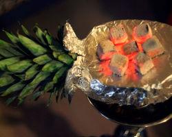 Как сделать чашу из ананаса?